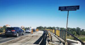 Slobozia: Zeci de șoferi care nu au respectat culoarea roșie a semaforului, pe podul de la Bora, au rămas fără permis